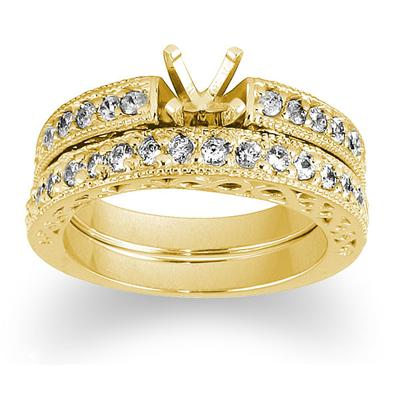 Antique Engraved Diamond Bridal Set in Yellow Gold