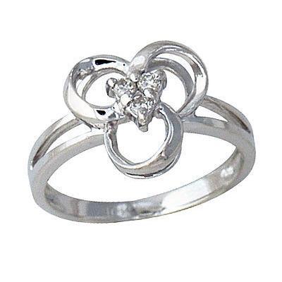 Diamond Swirl Ring in White Gold