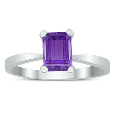Emerald Shaped 7X5MM Amethyst Solitaire Ring in 10K White Gold