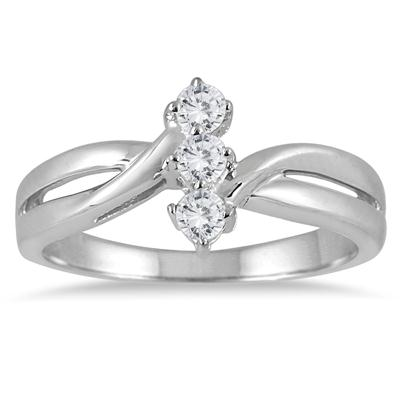 1/4 Carat TW Three Stone Diamond Ring in 10K White Gold