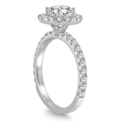 1 3/5 Carat Diamond Halo Ring in 14K White Gold