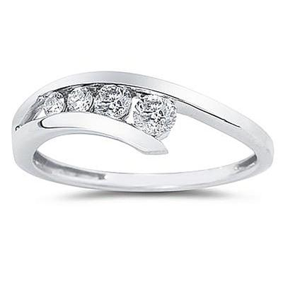 1/4 Carat TW Diamond Journey Ring in 14K White Gold