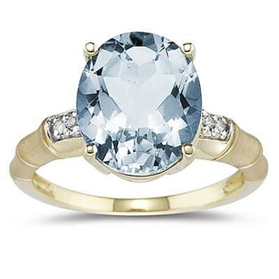 3.97 Carat Aquamarine and Diamond Ring in 14K Yellow Gold